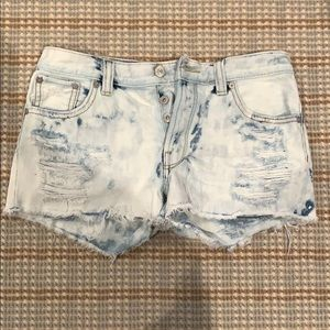 Aritzia Talula Jean shorts Acid wash size: 26